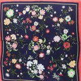 Foulard pour Femme 70 x 70 cm en Polyester haute qualité, sensation Soie, HEMMA